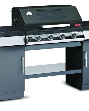 1100E Series – Cuisine extérieure 4 bruleurs avec 2 armoires et une étagère de fond